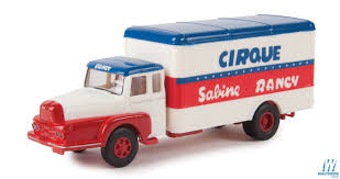 100 Sabinas Cars And Trucks Brekina Unic ZU 122 Truck WRounded Box Body Assembled Circus