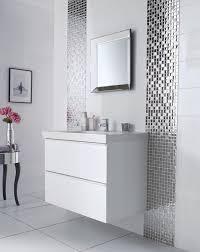 frise verticale salle de bain avec faience horizontale ou bains et