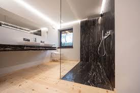 badezimmer aus naturstein cosmic zirbenholz jauer natursteine