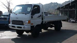 HYUNDAI MIGHTY 3.5T 4WD TRUCK - YouTube