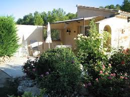 chambre d hote pernes les fontaines chambre d hôtes le petit cabanon de provence avec petit déjeuner