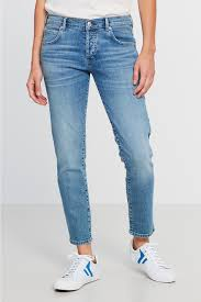 kate tomboy jeans 49 95 eur loose fit jeans gina tricot