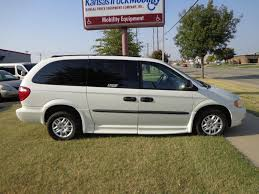2004_Dodge_Caravan_SE_06 - Kansas Truck Equipment Company