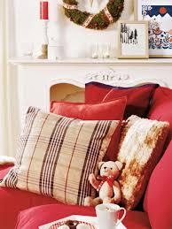 klassische weihnachtsdeko in rot und weiß