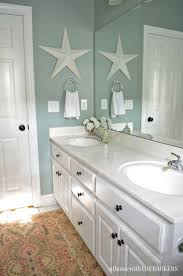 Coastal Bathroom Decor Pinterest by Best 25 Beach Theme Bathroom Ideas On Pinterest Ocean Bathroom