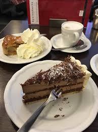 kölner traditionscafés vier besuche in kaffeehäusern