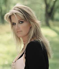 My Favourite Singer Trisha Yearwood Rose To Fame In 1991 With Her Debut Single Shes Love The Boy Married Garth Brooks Now