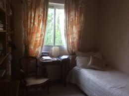 appartement avec une chambre appartement de 75m avec balcon fleuri et terrasse