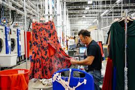 Soon You May Be Renting Your Work Clothes - Bloomberg