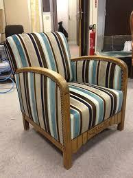 recouvrir un fauteuil club plus de 25 idées uniques dans la catégorie retapisser une chaise