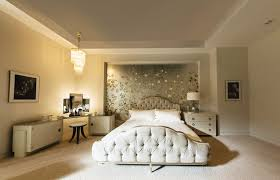 De Gournay Wall Covering In Anastasias Bedroom