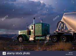 Green Truck In Arizona Stock Photos & Green Truck In Arizona Stock ...