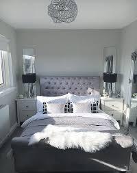 master schlafzimmer inspo schlafzimmer tore schwarz und weiß