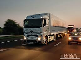 100 Mercedes Semi Truck World Record Fuel Economy Challenge Diesel Power Magazine