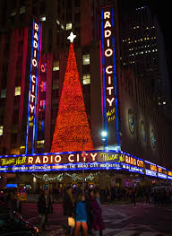 Rockefeller Center Christmas Tree Fun Facts by Christmas In Nyc A Free Walking Tour Self Guided