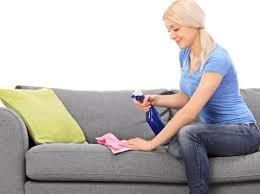 astuce pour nettoyer canapé en tissu nettoyer un canapé tissu tout pratique