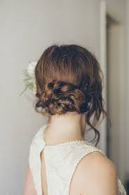 Perfect For A Vintage Wedding Or Winter Where You Want Your Hair Down This Pretty Style Is Something Can Do On Own Via Belle And Chic