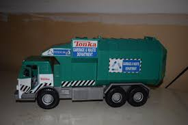 Find More Tonka Garbage Truck, Side Loader For Sale At Up To 90 ... Tonka Mighty Motorized Garbage Truck Amazoncouk Toys Games Orange Toy Play L Trucks Rule For Bruder Ebay Chuck Friends Playmat With Rowdy The Diecast Big Rigs Side Arm Site My First Wobble Wheels Lights Sound Big W Town Recycle Jual Tv101 Di Lapak Dotstoyland Dotstoyland Assorted R Us Tonka Metro Rearloader Garbagetcksrule