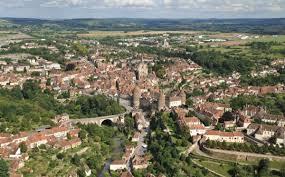 infos pratiques ville de semur en auxois cité médiévale