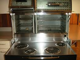 TV Kitchens A History Of The 1960s US Kitchen Samantha Stephens Stove