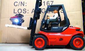 RC ADVENTURES - 1/14th Linde H40D Forklift Loading VS. KRAZY JOE ... Linde Forklift Trucks Production And Work Youtube Series 392 0h25 Material Handling M Sdn Bhd Filelinde H60 Gabelstaplerjpg Wikimedia Commons Forking Out On Lift Stackers Traing Buy New Forklifts At Kensar We Sell Brand Baoli Electric Forklift Trucks From Wzek Widowy H80d 396 2010 For Sale Poland Bd 2006 H50d 11000 Lb Capacity Truck Pneumatic On Sale In Chicago Fork Spare Parts Repair 2012 Full Repair Hire Series 8923 R25f Reach