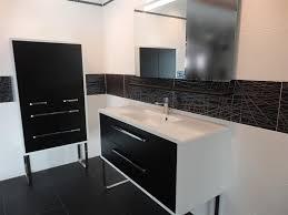 carrelage cuisine noir et blanc stunning carrelage cuisine noir brillant images of carrelage noir