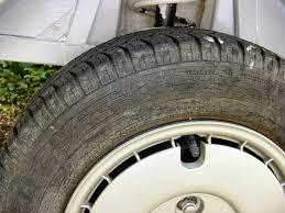 tous véhicules flèche pneu sens de rotation à respecter