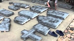 Halloween Tombstone Sayings by Halloween Tombstones Diy