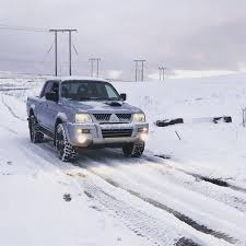 100 Trucks In Snow Mitsubishi L200 Warrior Working In Snow Autodromo