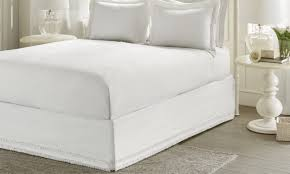 Box Pleat Bed Skirt by 7 Easy Steps For Installing A Bedskirt Overstock Com