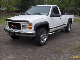 2000 GMC Sierra 2500 Photos, Informations, Articles - BestCarMag.com 2000 Gmc Sierra K2500 Sle Flatbed Pickup Truck Item F6135 02006 Fenders Aftermarket Sierra 4x4 Like Chevy 1500 Pickup Truck 53l Red Youtube Another Tmoney5489 Regular Cab Post Photo 3500hd Crew Db5219 Used C6500 For Sale 2143 Specs And Prices Mbreener Extended Cabshort Bed Photos 002018 Track Xl 3m Pro Side Door Stripe Decals Vinyl Chevrolet 24 Foot Box Cat Diesel Xd Series Xd809 Riot Wheels Chrome