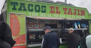 Seattle Food Truck Sells Tacos In Traffic Jam