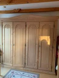 schränke im landhaus stil aus massivholz fürs wohnzimmer