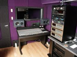An Example Of A Simple Recording Studio That You Can Set Up In Your Home