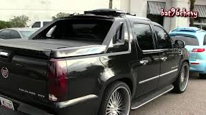 Cadillac Escalade EXT On 26