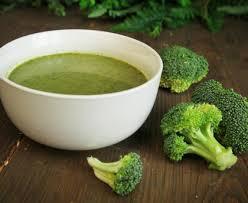cuisiner le brocolis velouté de brocolis recette de velouté de brocolis marmiton