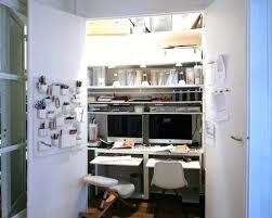 bureau dans un placard placard de bureau 1342843 bureau placard placard de bureau ikea