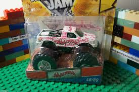 100 Madusa Monster Truck Toy Hot Wheels Jam Diecast Trading Card Series 48