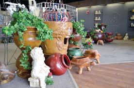 Halloween Express Mn Locations by Seasonal Pottery Store Arrives At Medford Outlet Center News