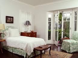 8 Styles Of White Bedrooms