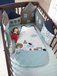 tour de lit bebe garon pas cher lit bebe garcon original 28 images tour de lit taupe motif