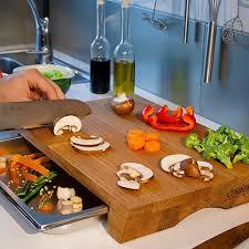 cleenbo schneidebrett mit auffangschale style oak profi holz küchenbrett aus geölter eiche großes schneidbrett mit auffangbehälter