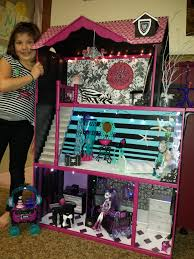 Monster High Twin Bed Set by Monster High Custom Canopy Bed Set For Operetta Drop Dead Dolls