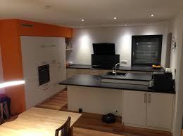 küche mit halbinsel und gattenblock küchenplanung einer