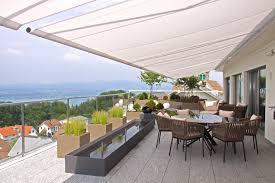 terrassengestaltung wohnzimmer unter freiem himmel