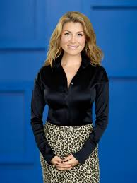 Genevieve Gorder Bio | Genevieve Gorder | HGTV Home And Garden Tv Show Interiror And Exteriro Design Design Ideas Your Cat Will Love Hgtvs Decorating Blog Hgtv Dream 2002 Chesapeake Bay 20081997 With Castle Hunters Things You Didnt Know About Redesign Decor Tv Caribbean Otography Website Channel Stock Photo Royalty The High Low Project Easy Landscaping