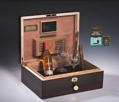 100 Daniel Marshall Humidor LIVE AUCTION Boveda Official Site