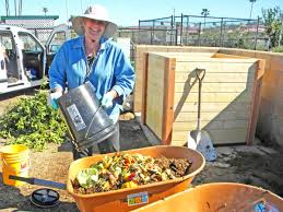Build Your Own Backyard Bin | Solana Center For Environmental ... Alcatraz Volunteers Composter Reviews 15 Best Bins And Tumblers Of 2017 Ecokarma 25 Outdoor Compost Bin Ideas On Pinterest How To Start Details About Compost Turner Tumbler Bin Backyard Worm Heres We Used Worms To Get The Free 5 Bins Form The City Phoenix Maricopa County Food Homemade Pallet Composting Garden Make An Easy Diy Blissfully Domestic