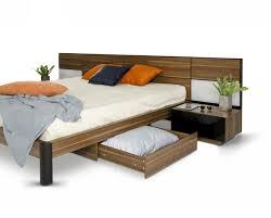 Platform Bedroom Set by Modrest Rondo Mid Century Walnut Bedroom Set