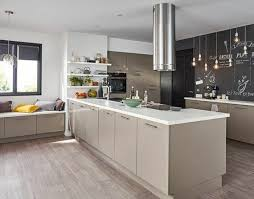 deco cuisine taupe idée relooking cuisine cuisine moderne et accueillante modele